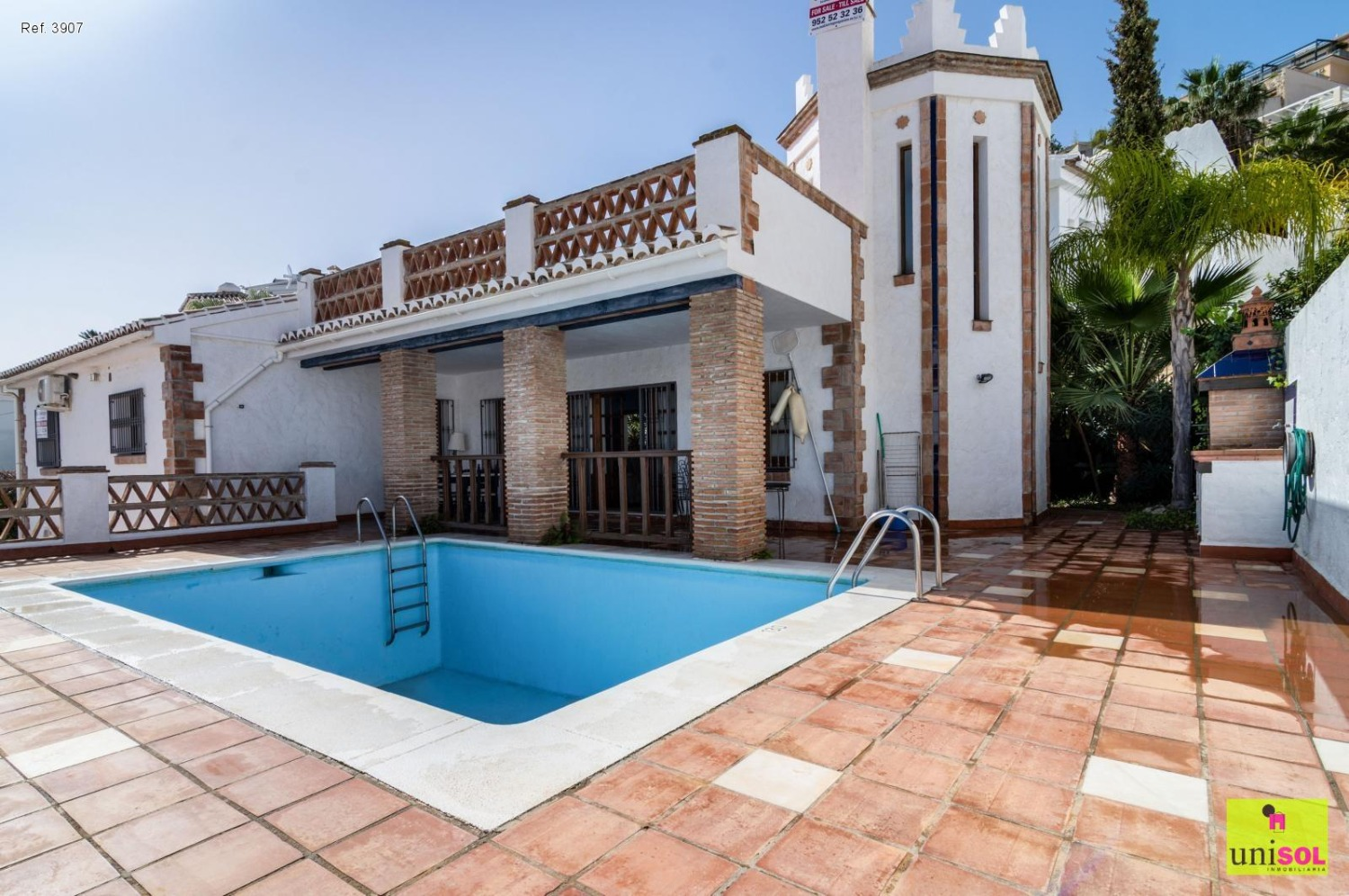 Detached villa located in Punta Lara, overlooking the sea